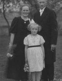 Walter, Emma geb. Raddatz, Edith Kuchenbecker