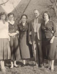 Ursula, Helga, Herta, Emil, Anni Borck