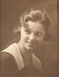 Esther Brussok (1918)
